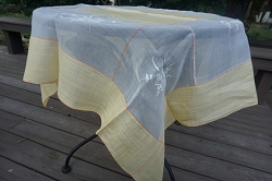 Tablecloth 46x46 with 6 Napkins
