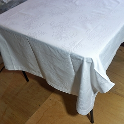 Feather Design Tablecloth 60x48