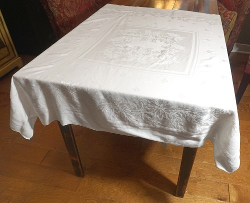 Small Damask Tablecloth 48x48
