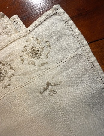 8 Embroidered Linen Placemats