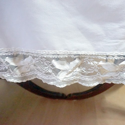 Solid Tablecloth with Lace Edge 82 x 66