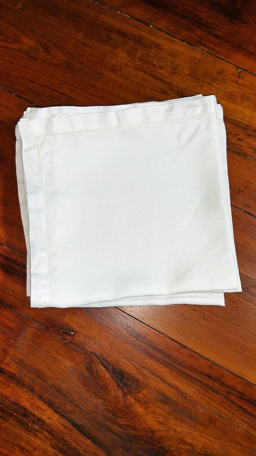 8 White Dinner Napkins