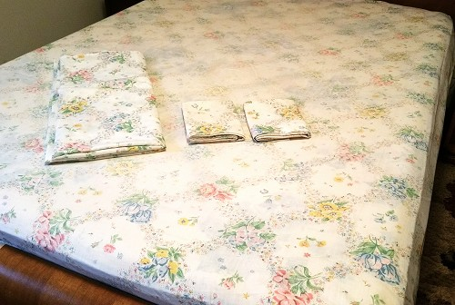 Vintage Full Size Floral Sheet Set