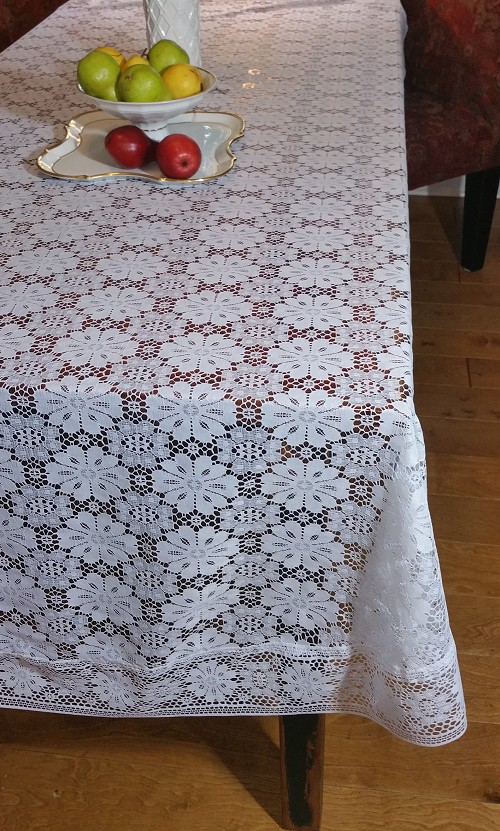 Oblong Lace Tablecloth 64 x 84