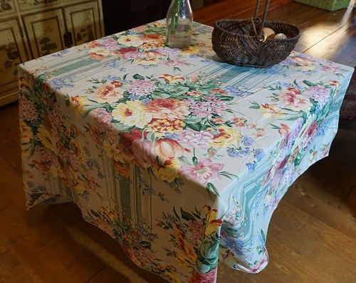 Chintz Tablecloth 50x72